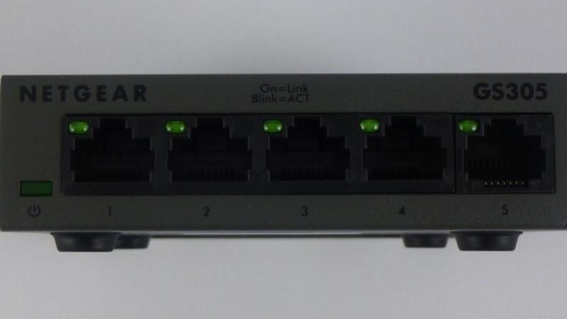Netgear-GS305-7